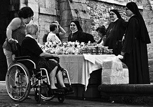 Carmelitas Samaritanas del Corazón de Jesús a Avilés, del Monasterio de Santa María de Valdediós, 2.jpg