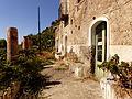 Casa abandonada, Isla de Alicudi, Islas Eolias, Sicilia, Italia, 2015.JPG