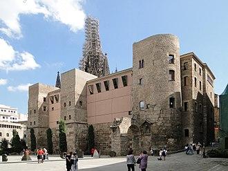Gothic Quarter, Barcelona - Image: Casa de l'Ardiaca 02