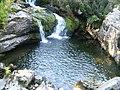 Cascadă şi lac spre Câlcescu - panoramio.jpg