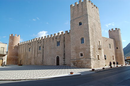 Castle of the Counts of Modica (Alcamo) in Alcamo Castello di Alcamo 0024.JPG
