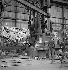 Cecil Beaton Photographs- Tyneside Shipyards, 1943 DB135.jpg