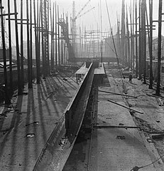 Cecil Beaton Photographs- Tyneside Shipyards, 1943 DB31.jpg