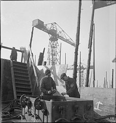 Cecil Beaton Photographs- Tyneside Shipyards, 1943 DB60.jpg