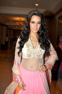 Celebrities at Manish Malhotra - Lilavati Save & Empower Girl Child show (31).jpg