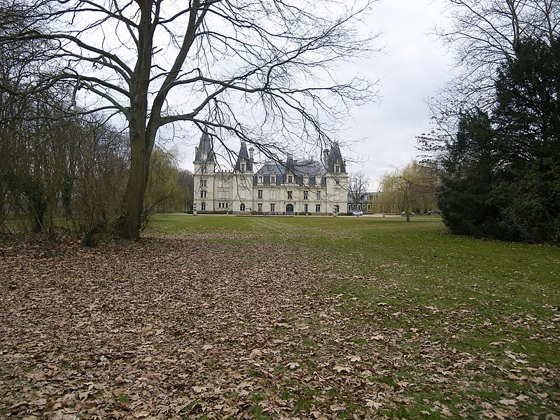 Chateau a st clement de la place