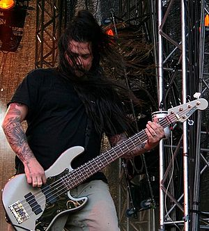 Chi Cheng (musician) - Cheng performing with Deftones at Hultsfred Festival in June 2006