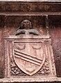 Chiesa di San Pietro Martire, particolare sello stemma tomba de' Crescenzi.jpg