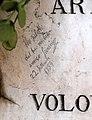Cimitero monumentale di verona, tomba di umberto boccioni, 1916, 06 firma di gino severini, 1954.jpg