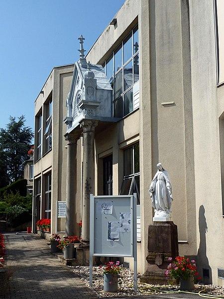 Cirey-sur-Vezouze maison de retraite sise dans un ancien couvent des Soeurs de la Charité de Strasbourg.