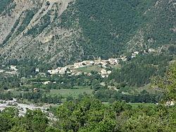 Clamensane, le village.JPG