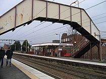 Clydebank railway station in 2007.jpg