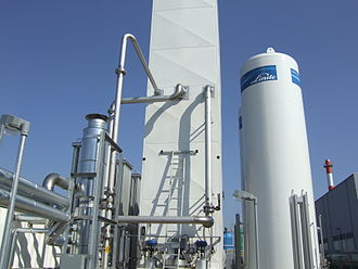 Air separation - Distillation column in a cryogenic air separation plant