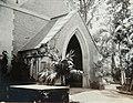 Collectie Nationaal Museum van Wereldculturen TM-60061942 Ingang van een kerk, Kingston Jamaica fotograaf niet bekend.jpg