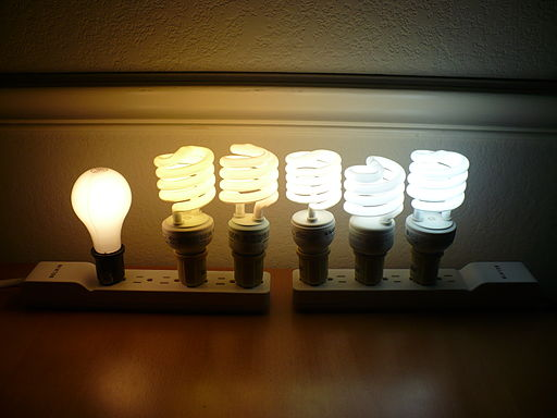 Color temperature comparison of 5 CFLs