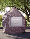 Commemorative stone to Popov in Kronstadt.jpg