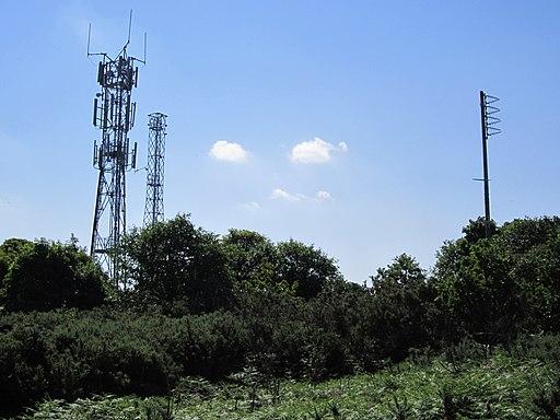 Communications masts near West Kirby transmitting station - IMG 0825