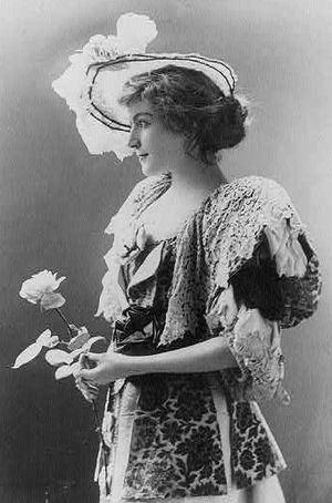 Cora Urquhart Brown-Potter - Image: Cora Brown Potter 1895