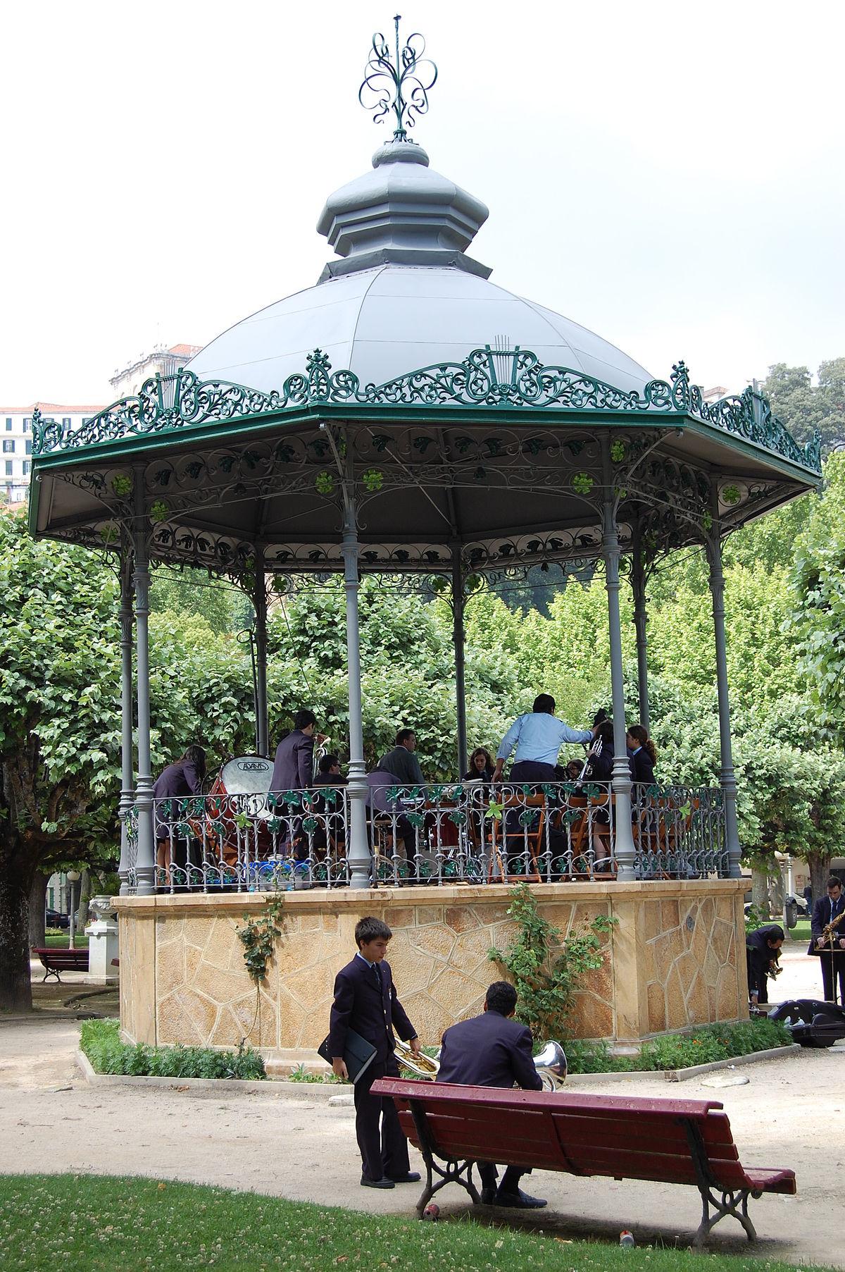 Templete m sica wikipedia la enciclopedia libre for Para desarrollar un parque ajardinado