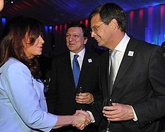 Fourth Balkenende cabinet - President of Argentina Cristina Fernández de Kirchner, President of the European Commission José Manuel Barroso and Prime Minister Jan Peter Balkenende in Toronto on 10 June 2010.