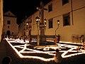 Cristo de los Faroles iluminado con velas (Córdoba, España).jpg