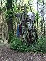 Croix à dévotion de la fontaine à dévotion 1 de Courbefy, Bussière-Galant (Haute-Vienne, France).JPG