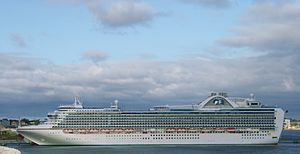 Crown Princess (ship) - Image: Crown Princess 2