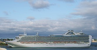 Crown Princess (ship) - Image: Crown Princess 2