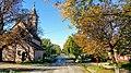 Cserkúti utcakép a templommal.jpg