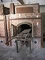 Dachau forno crematorio.jpg