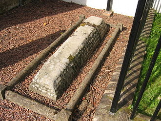 Hogback (sculpture) - A hogback in Dalserf Churchyard, Scotland. The stone was found on the site in 1897.