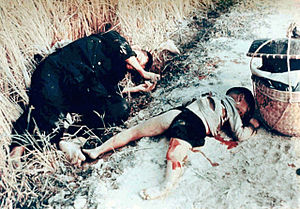 My Lai Massacre - Dead man and sons