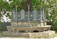 Denkmal Karolinenplatz Passau.JPG
