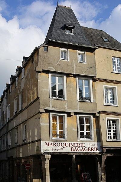 File:Dinan - 16 place des Cordeliers 20130216-01.JPG Исторические памятники Динана, достопримечательности Динана, фотографии Динана