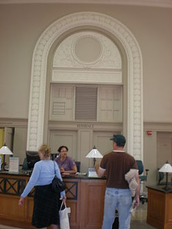 Doe Memorial Library Reference Desk.JPG