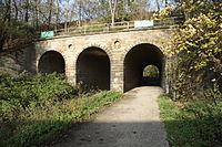 Dortmund - PW-Steinklippenweg - Eisenbahnbrücke+Emscher 03 ies.jpg