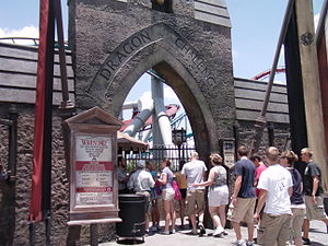 Harry Potter in amusement parks - The entrance to Dragon Challenge at Islands of Adventure