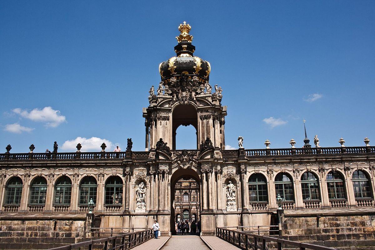File Dresdner Zwinger 10565883846 Jpg Wikimedia Commons