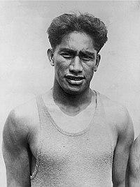 Duke Kahanamoku 1920c.jpg