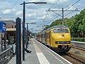 Emmen Mat64 951 sneltrein Zwolle 11-06-2011 (39932130803).jpg