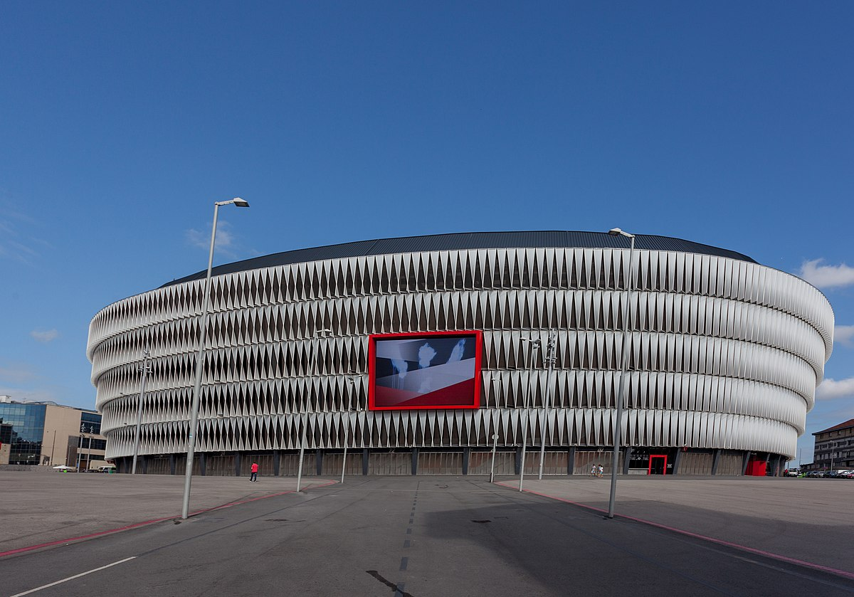 Exterior of San Mamés stadium.jpg