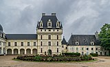 Exterior of the Castle of Valencay 05.jpg