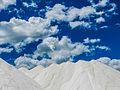 Extração de sal marinho em Galihos, RN, Brasil.jpg