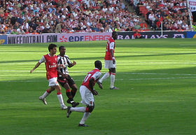 Fàbregas takes a shot at goal in a game against Sheffield United in 2006.