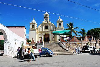 San Pedro Pochutla - Atrium and facade of the Church of San Pedro in Pochutla