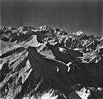 Fairweather Glacier, mountain glaciers, August 26, 1979 (GLACIERS 5454).jpg