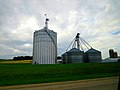Farrell Grain Bins - panoramio.jpg