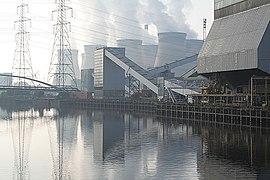 Ferrybridge Power Station - geograph.org.uk - 579117.jpg