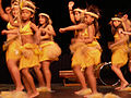 Festal Hawaiian dancers 01.jpg