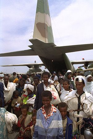 Operation Solomon - Ethiopian Olim stepping out of the IAF's Hercules, May 25, 1991